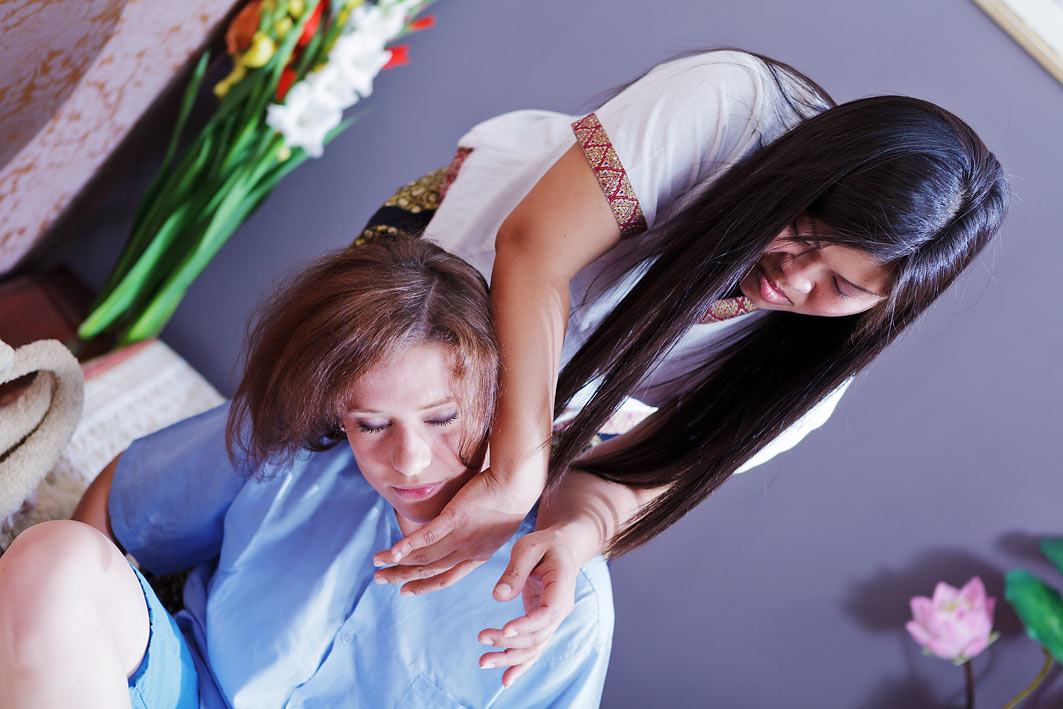 Thai Smile - Thai Massage of back, shoulders and head