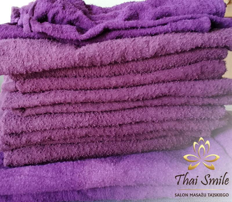 Działalność charytatywna Thai Smile 2017.04 zużyte ręczniki